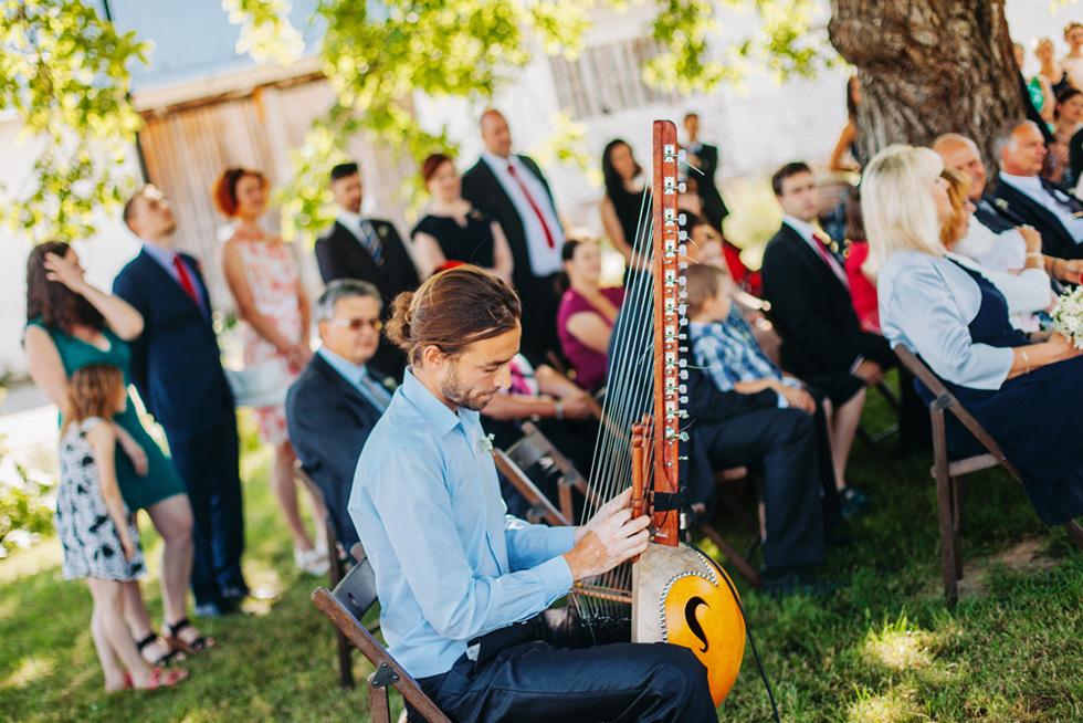 310-na-svatbe-hrala-africka-harfa