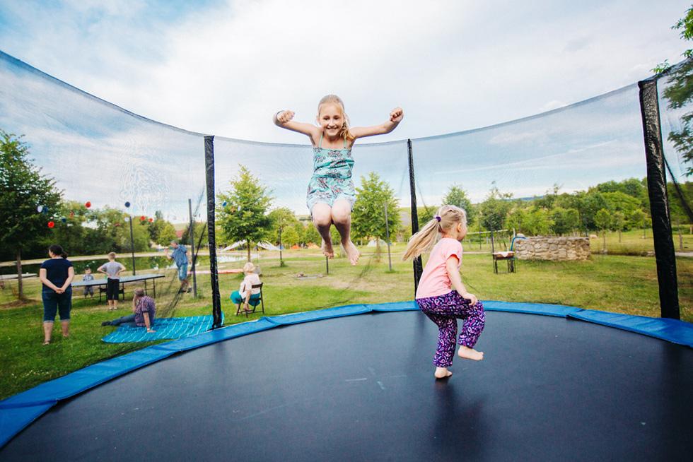 510-trampolina-a-deti
