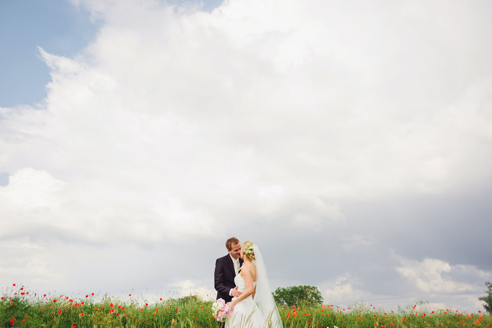 54-svatebni-fotografie-v-makovem-poli