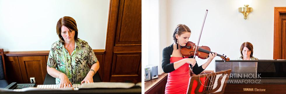 houslistka-a-klaviristka-na-svatbe