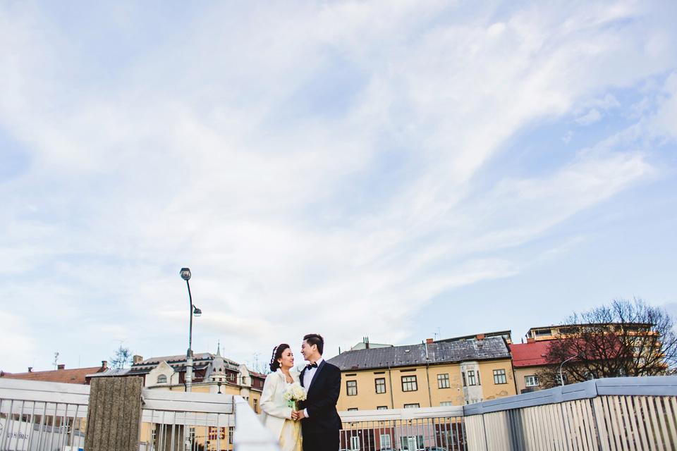 minimalisticka-svatebni-fotka-z-ostravy