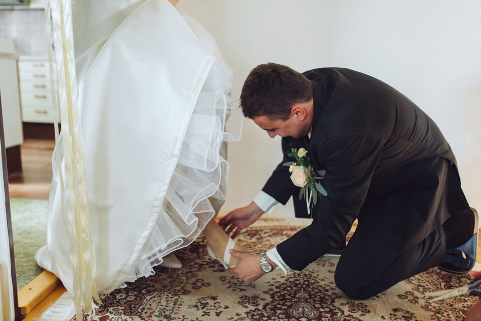 zenich-obouva-svatebni-strevice-sve-neveste
