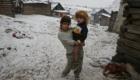 Romské děti se zimy rozhodně nebojí