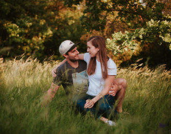 Romantika na louce pod stromem